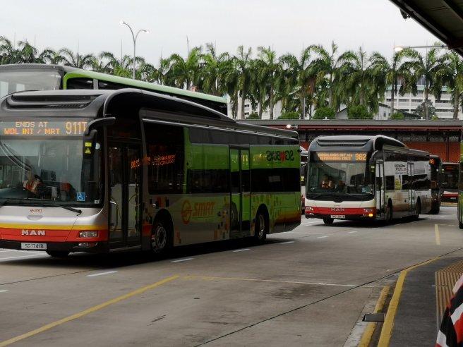 Bus di Singapura
